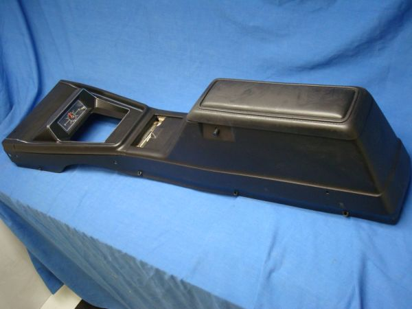 Ford Mustang parts 71-73 (fastback coupe) (phx)