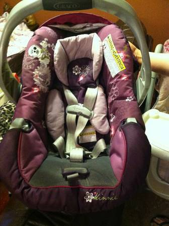 Purple Minnie Mouse Graco Car Seat - $70 (OBO 83rd ave Peoria)