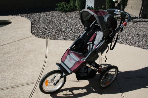 Reebok Gray Burgundy 1 Seat Jogging Stroller In Great Shape - $100 (San Tan ValleyQueen Creek)