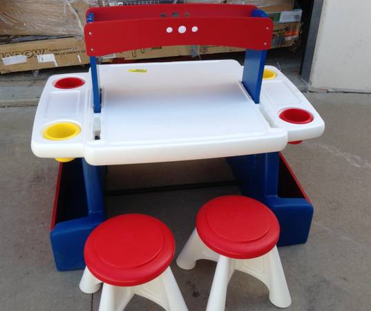 Step 2 Creative Projects Art Table with 2 Stools NEW - $75 (Anthem Parkside)