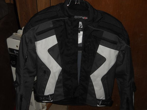 Like new protective riding gear - $85 (Central phx)