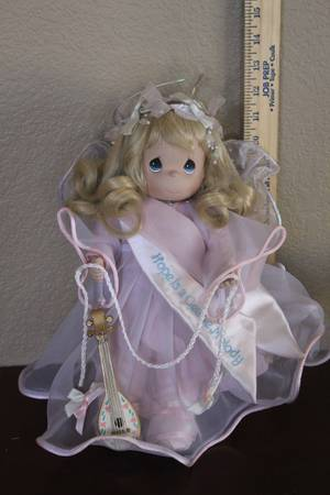 Precious Moments Doll - Hope is a Gentle Melody - $15 (Glendale)