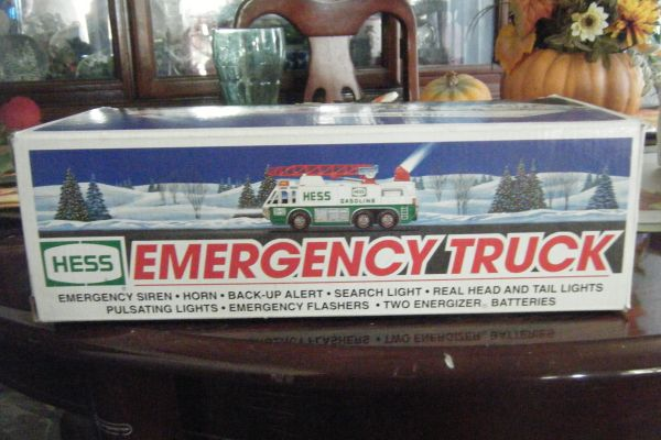 FOR SALE OR TRADE, A COLLECTABLE HESS GASOLINE TRUCK - $25 (23 Ave. Beardsley)