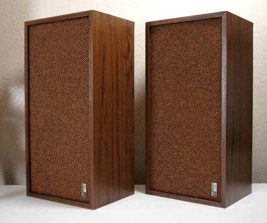 Vintage The Fisher xp55b Stereo Speakers - $25 (Fountain Hills - 85268)