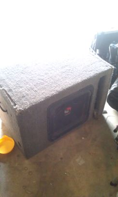 15 INCH L5 KICKER SUB $$$ GREAT DEAL - $220 (75th and glendale )