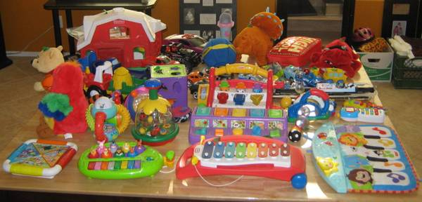 $$$ Mothers Day Gifts, Desk, Tv Armour, Toys -- 56 to 59 $$$ - $1 (SE Chandler)