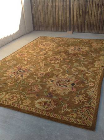 Huge wool area rug - $125 (Chandler)