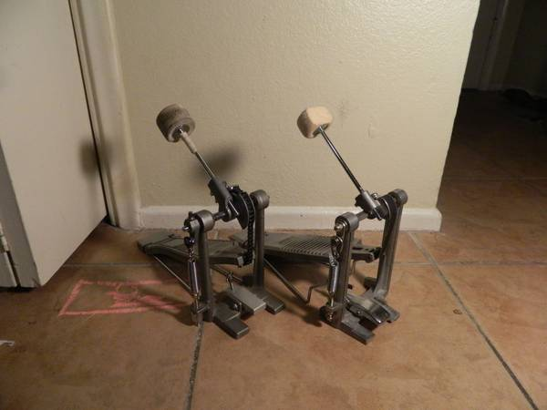 2 Bass drum pedals never used (PDP Yamaha) - $35 (United States)