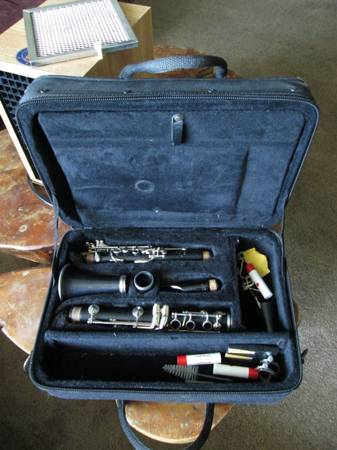 GREAT YAMAHA YCL-20 MODEL 20 Bb INTERMEDIATE STUDENT CLARINET EXTRAS - $140 (31st. ave Deer Valley)