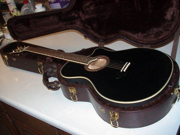 Guitar AcousticElectric Yamaha APX-7 (Like New) (Gilbert)