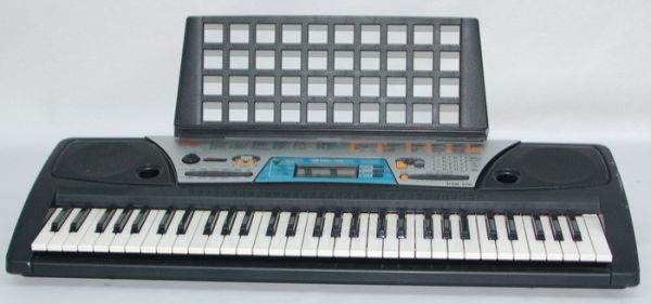 Yamaha PSR-170 61-Key Portable Electronic Keyboard w Music Holder - $80 (Power and Queen Creek)