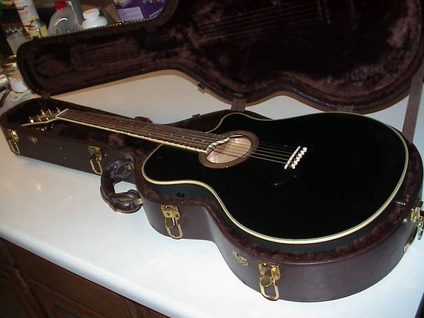 Guitar AcousticElectric Yamaha APX-7 (Like New)
