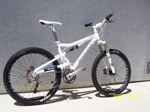 2012 SANTA CRUZ SUPER LIGHT - $2200 (Pescott Valley)