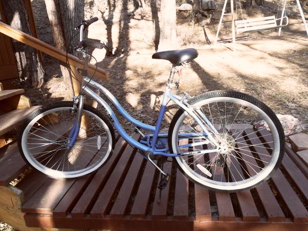 Like new Kent 7 Speed Ladies Beach Cruiser - $80 (Prescott)