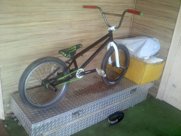 nice black eye bmx bike - $125 (mayer)
