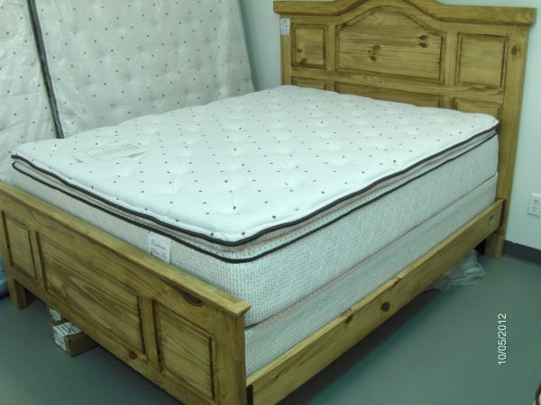 NEW queen 13 queen pillowtop mattress foundation - $399 (Wades Furniture)