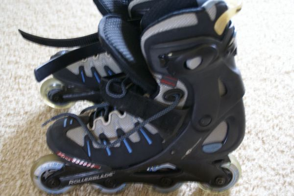 Rollerblade ABT-lite skating shoes size 7.5 -8 - $30 (Prescott Williamson Valley Ranch)