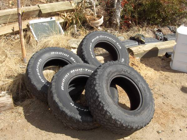 (4) BFG MUD TERRAIN TIRES BAJA CHAMPION SERIES 31X10.5X15 TIRES 31 - $120 (PRESCOTT)