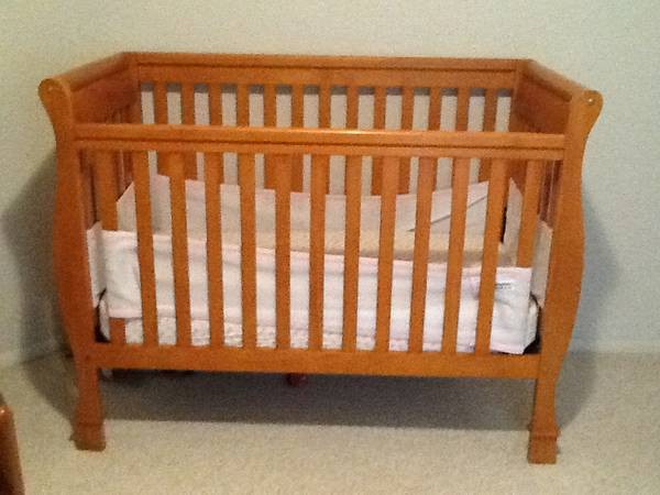 Jardine Olympia 4 in 1 Crib - $300 (Chino Valley)