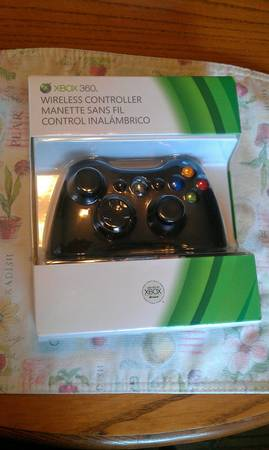 Xbox 360 Wireless Controller - Glossy Black NEW IN BOX - $30 (PCC)
