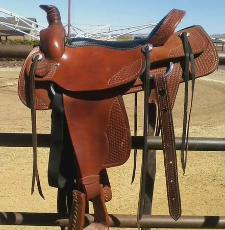 18 Dakota Roping Saddle TradeSale - $900 (PV)