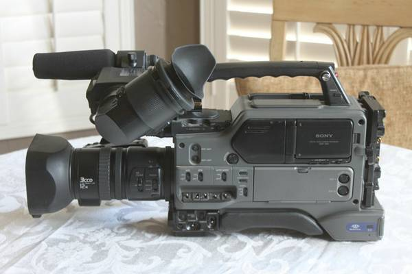 Sony DSR 250 Camcorder KIT - $1900 (Prescott, Williamson Valley)