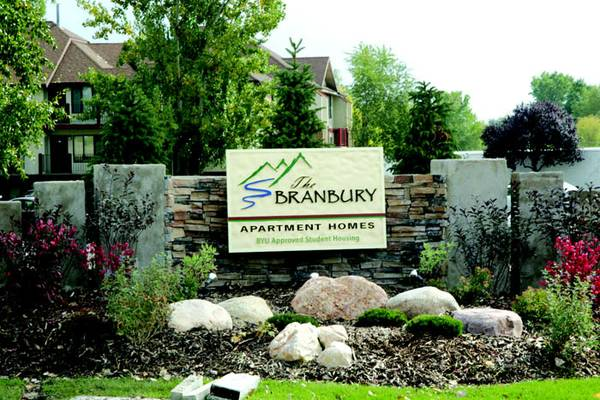 - $229 2br - 1065ftsup2 - AMAZING PRICE for AMAZING APARTMENT- YOU AND YOUR FRIENDS (the Branbury)