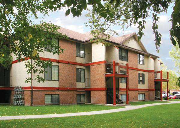 span classstarspan - $649 1br - 900ftsup2 - MARRIED Apartment AVAILBLE NOW (The Branbury)