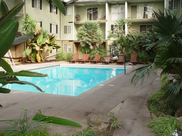 - $299 1344ftsup2 - BYUUVU Female Pvt room Bath Fall Semester 4 space available (724 West 1720 North 202 ProvoBYU)
