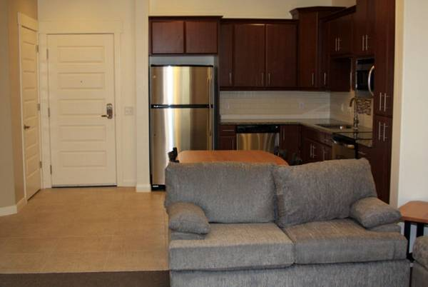 $315 1200ftsup2 - The Isles - spsu mens private room apt