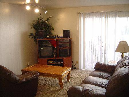 $249 UVUBYU APPROVED BROWNSTONE MENS CONDO 6 Shared Spaces for FALL (1080 E 450 N 17 ProvoBYU)