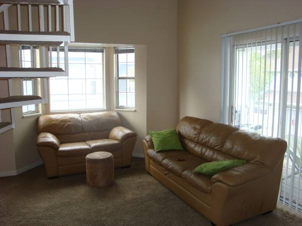 $335 1200ftsup2 - BYUUVU Female Townhome Shared Room FALL Semester HUGE (54 West 700 North 222, 2 blks to BYU)