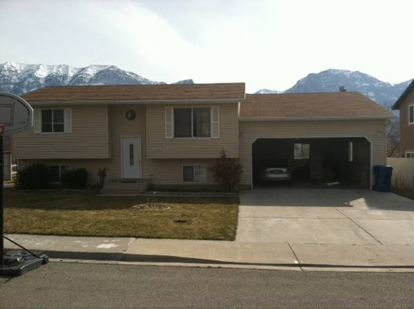$300 2750ftsup2 - LARGE NEWLY REMODELED MALE STUDENT HOUSING (Provo)