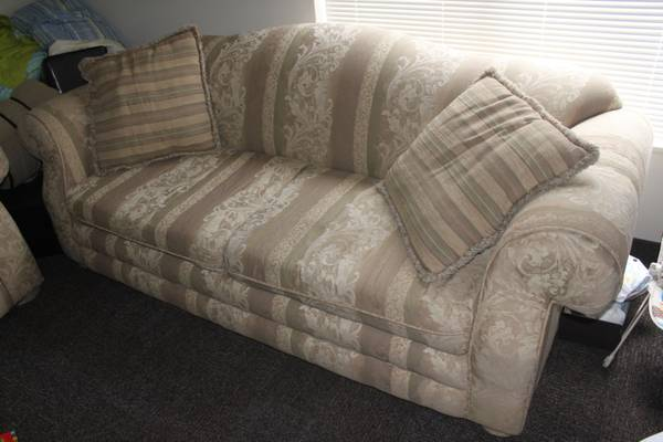 Couch Love Seat Combo - $200 (Provo Wymount)