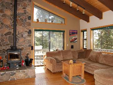 - $230 4br - 2300ftsup2 - Gorgeous 3 Level Lakeview Home Private Hot Tub, WIFI, 2 big HDTVs