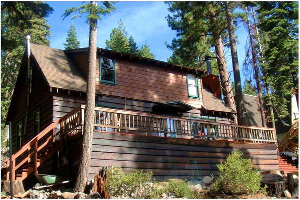$130 4br - The Greenleaf Lodge - Charming, Affordable, Walk to the Beach (Carnelian Bay, North Lake Tahoe)
