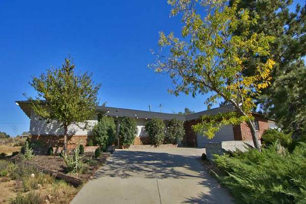 - $299500 3br - 2316ftsup2 - One Acre Horse Property (Carson City)