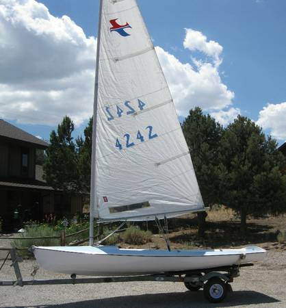 BANSHEE SAILBOAT AND TRAILER FOR SALE - $950 ((Virginia City Highlands) S. Reno)