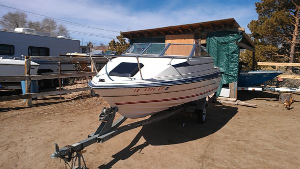 86 16 foot bayliner cuddy cabin - $800 (Reno)