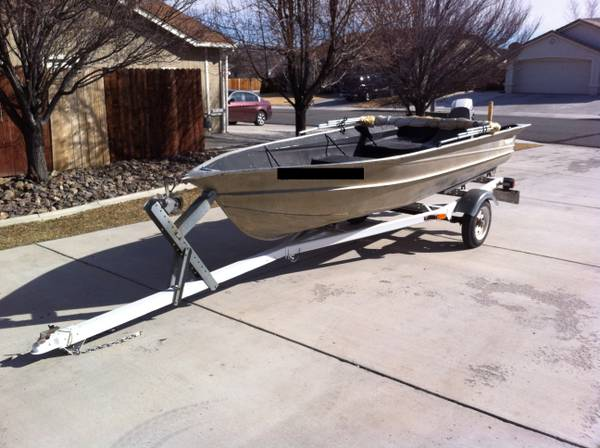 13 FOOT VALCO ALUMINUM FISHING BOAT WITH EVERYTHING YOU NEED - $2000 (SPANISH SPRINGS)