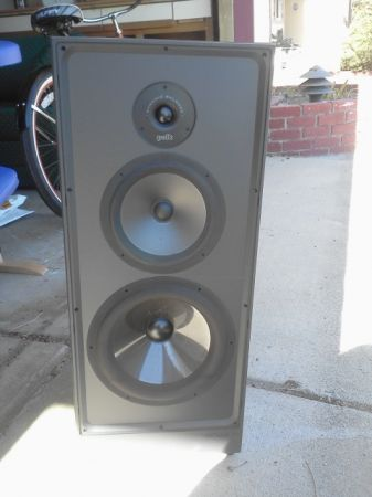 Polk Audio S10 Floor satnding Speakers - $125 (Sparks)