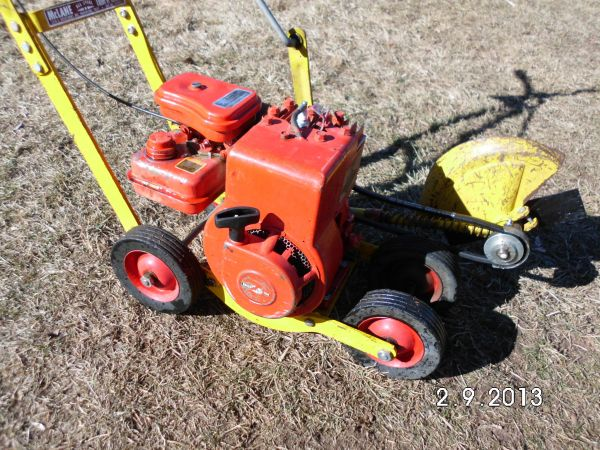 McLane 2hp Gas Powered Edger - $95 (Reno, NV. )