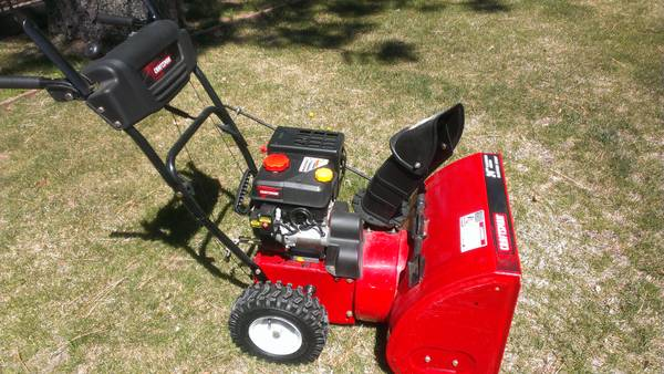Like New Craftsman 179cc 24 Snowblower Electric Start - $300 (south lake tahoe)