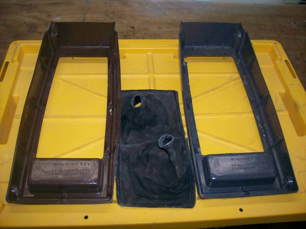Toyota Pickup or 4Runner Center Console and Mirrors 84-89 - $20 (Sparks)