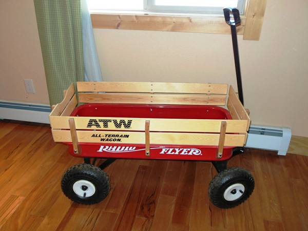 RADIO FLYER ATW WAGON LIKE NEW MAKES A GREAT GIFT - $120 (Truckee N. Tahoe)