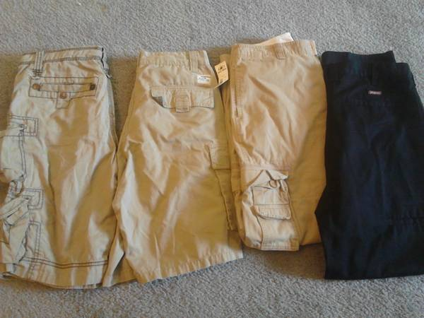 BoysMens clothes Name Brand (S-XL) - $1 (SparksReno)