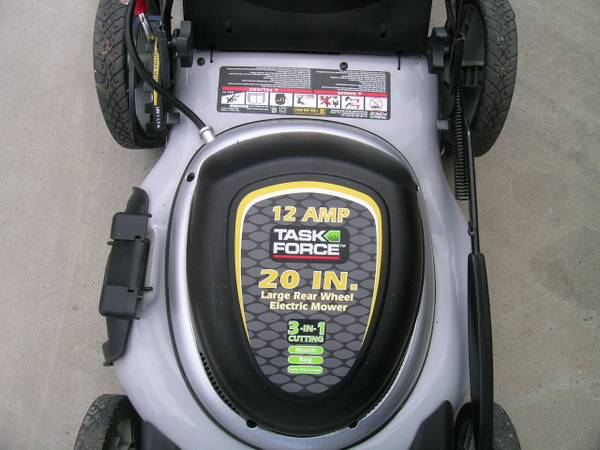 LOWES TASK FORCE 20 ELECTRIC LAWN MOWER - $140 (CARSON CITY)