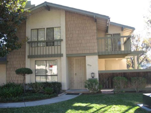 $2000 3br - 1334ftsup2 - Mission Playmor Townhouse (Mission Valley)