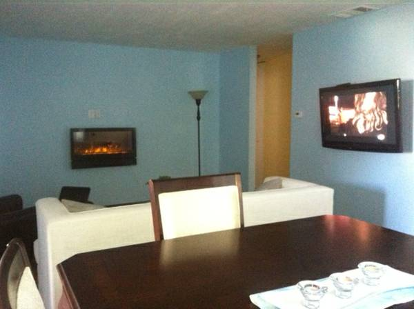 - $695 Nice room for rent in our condo (Mira Mesa)