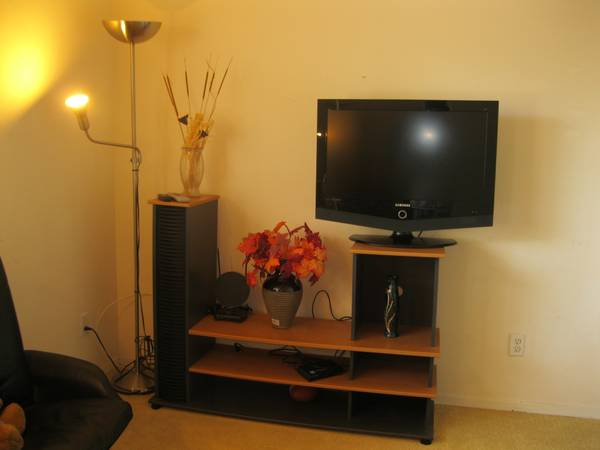 $600 Large Furnished Room for Rent with Utilities Wi-Fi high speed (Mira Mesa)